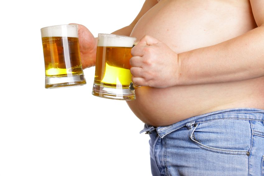 beer-belly-holding-beers
